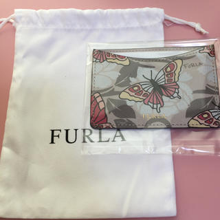 フルラ(Furla)のFURLA×蝶々柄パスケース(巾着袋付)(パスケース/IDカードホルダー)