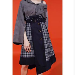 レディアゼル(REDYAZEL)のチェック×無地トリミングフレアスカート(ひざ丈スカート)