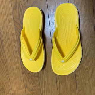 クロックス(crocs)のクロックス サンダル イエロー 黄色(サンダル)