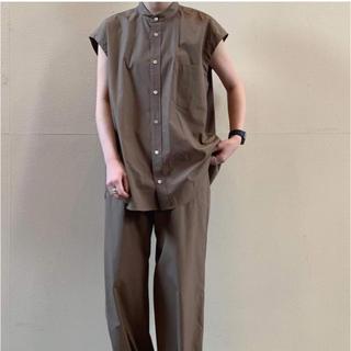 コモリ(COMOLI)のWASHED FINX TWILL SLEEVELESS SHIRTS (シャツ/ブラウス(半袖/袖なし))