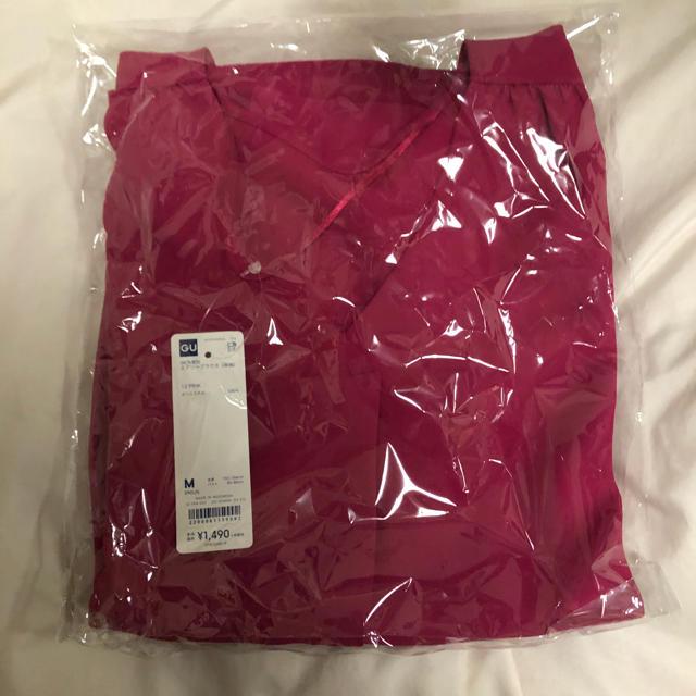 GU(ジーユー)のGU エアリーブラウス Mサイズ ピンク 新品未使用 レディースのトップス(シャツ/ブラウス(半袖/袖なし))の商品写真