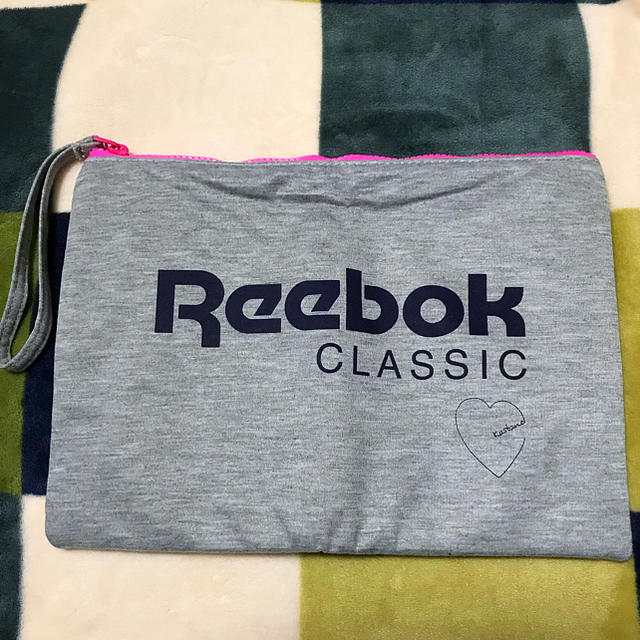Reebok(リーボック)のReebok CLASSIC ポーチ レディースのファッション小物(ポーチ)の商品写真