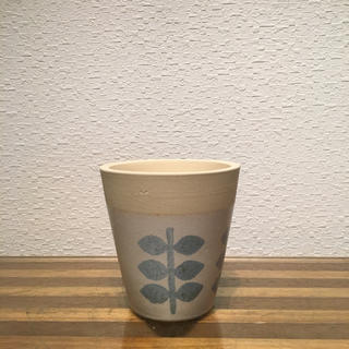 ● Conical POT - leaf-  No.55(雑貨)