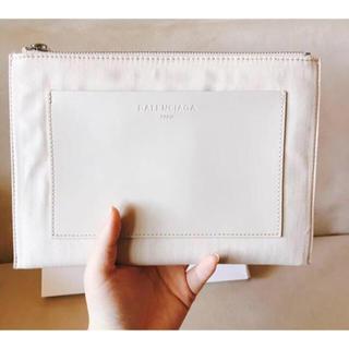 バレンシアガ(Balenciaga)のバレンシアガ 平ポーチ 新品未使用 箱付き(ポーチ)
