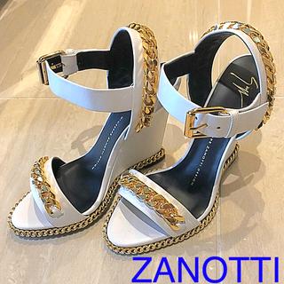 ジュゼッペザノッティデザイン(Giuseppe Zanotti Design)の値下げ  新品 ザノッティ  ZANOTTI サンダル 白 ゴールド チェーン(サンダル)