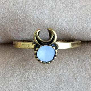 (93) ホワイトビジューのゴールドリング ヴィンテージ(リング(指輪))