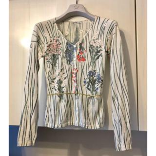 アンナモリナーリ(ANNA MOLINARI)の美品 アンナモリナーリ カーディガン お花 リボン 白色 38 S ブルマリン(カーディガン)