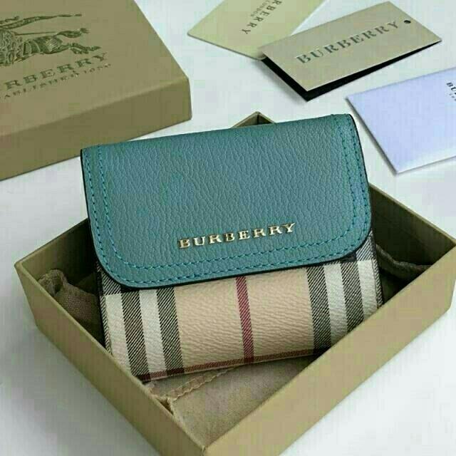 BURBERRY - *ブルー* 美品 新品 保存品 *バーバリー*ミニショート財布 三つ折りの通販 by 恵H9's shop|バーバリーならラクマ