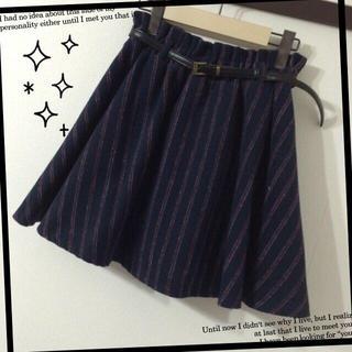 アベイル(Avail)のベルト付レジメンタルストライプスカート(ミニスカート)