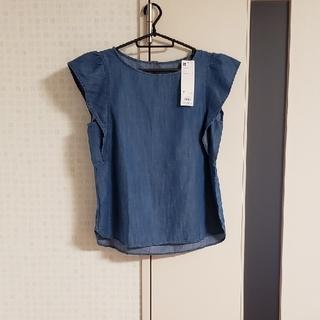 ジーユー(GU)のタグ付き GU デニム フリル ブラウス M(シャツ/ブラウス(半袖/袖なし))