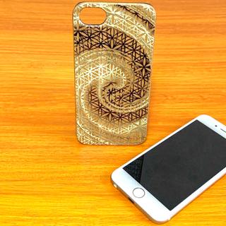 神秘的☆ オリジナル 竹製 iPhoneケース フラワーオブライフ 陰陽 黄金(スマホケース)