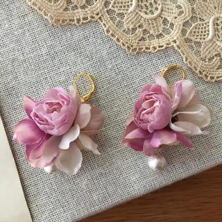 ローズピンクバラとラベンダー、パープル紫陽花のピアス(ピアス)