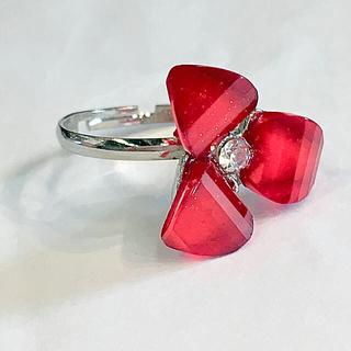 送料無料豪華なキラキラリング印象発表会舞台同窓会可愛いお花のリング ラメ入り赤(リング(指輪))