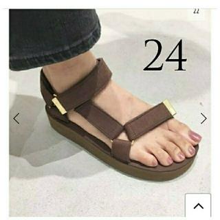 アパルトモンドゥーズィエムクラス(L'Appartement DEUXIEME CLASSE)の新品◆アパルトモン◆SUICOKE Strap Sandal 24(サンダル)