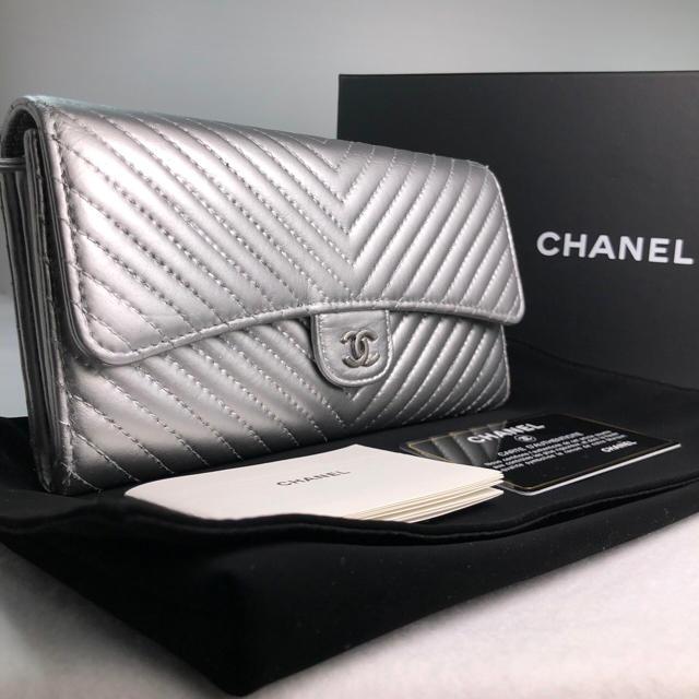ヴェルニ バッグ コピー - CHANEL - シャネル Vステッチ フラップ 長財布 シルバーの通販 by ひるね |シャネルならラクマ