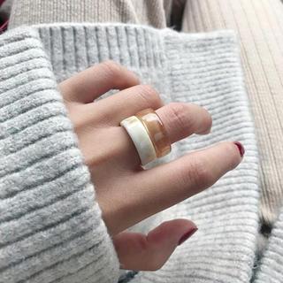 エンフォルド(ENFOLD)のリング アイボリー ナチュラルブラウン(リング(指輪))