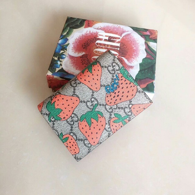 メンズ ネックレス ブルガリ 偽物 - Gucci - Gucci グッチ レディース 折り財布 美品の通販 by 倉🙊美's shop|グッチならラクマ