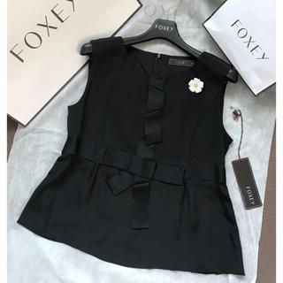 フォクシー(FOXEY)の紙タグあり✨FOXEYテープリボンブラウス38(シャツ/ブラウス(半袖/袖なし))
