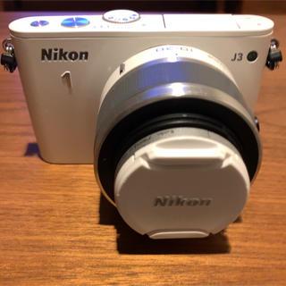 ニコン(Nikon)のNikon 1 J3 標準ズームレンズキット [ホワイト](ミラーレス一眼)