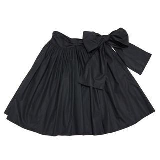 ミュウミュウ(miumiu)の新品ミュウミュウmiu miuリボン ギャザースカート 黒 #42(ひざ丈スカート)