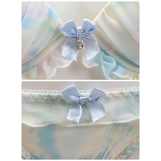 乙女チックな✨♥️マーブルフリルブラショーツセット レディースの下着/アンダーウェア(ブラ&ショーツセット)の商品写真