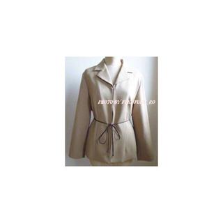 フェリシモ(FELISSIMO)の大きいサイズのジャケット 13号 美ライン ベージュ(テーラードジャケット)