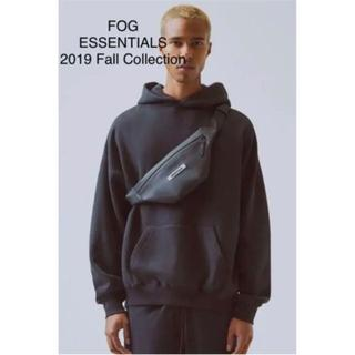 FEAR OF GOD - 新作 FOG Essentials Waterproof Sling Bag