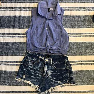 エイチアンドエム(H&M)のノースリーブシャツ&デニムパンツ(セット/コーデ)