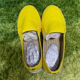 ジミーチュウ(JIMMY CHOO)のjimmy choo 美品 ジミーチュウ イエロー 靴(サンダル)
