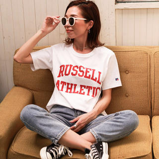holiday - RUSSELL ATHLETIC×Holiday別注 アーチロゴTシャツ