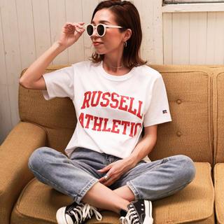 ホリデイ(holiday)のRUSSELL ATHLETIC×Holiday別注 アーチロゴTシャツ(Tシャツ(半袖/袖なし))