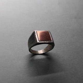 マルタンマルジェラ(Maison Martin Margiela)の▪︎Uimp▪︎ silver signetring スクエアリング  槌目(リング(指輪))