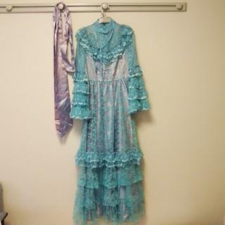 エメ(AIMER)のウエディングドレス(リボン付き)(ウェディングドレス)