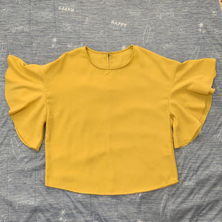 ジーユー(GU)のGU 袖フリルブラウス Sサイズ(シャツ/ブラウス(半袖/袖なし))