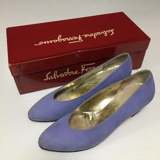 サルヴァトーレフェラガモ(Salvatore Ferragamo)のサルヴァトーレフェラガモ ヒール パンプス ライトブルー系 靴 シューズ(ハイヒール/パンプス)