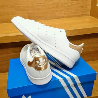 アディダス(adidas)の【レア】1足限定 27.5 希少カラー ゴールド スタンスミス ピンクゴールド(スニーカー)