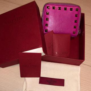 ヴァレンティノガラヴァーニ(valentino garavani)のValentino 二つ折り財布(財布)