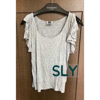 スライ(SLY)のSLY グレー 肩出し Tシャツ(Tシャツ(半袖/袖なし))