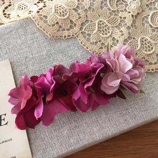 ローズピンクバラとワインパープル紫陽花のバレッタ(ヘアアクセサリー)