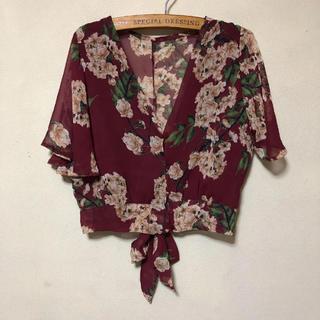 カスタネ(Kastane)のフラワープリントシャツ(シャツ/ブラウス(半袖/袖なし))