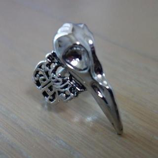 バードスカル カラスの骸骨 クチバシ リング シルバーカラー 14号(リング(指輪))