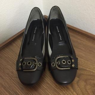 新品ローヒール黒パンプス21.5cm(ハイヒール/パンプス)