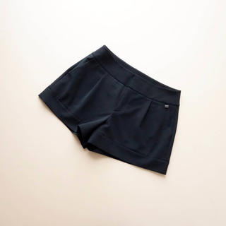 フォクシー(FOXEY)の■FOXEY NY■ 40 大人ショートパンツ 黒 フォクシーニューヨーク(ショートパンツ)
