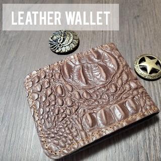 ☆新品未使用☆ 本革 二つ折り 財布 クロコダイル型押(折り財布)