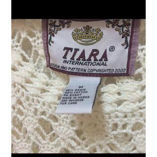 ティアラ(tiara)のTIARA ニット(ニット/セーター)