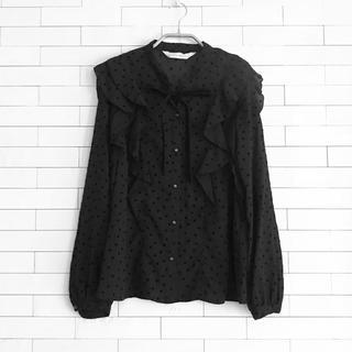 トランテアンソンドゥモード(31 Sons de mode)のほぼ新品 フリルブラウス 長袖 ドット柄 黒(シャツ/ブラウス(長袖/七分))