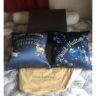 ルイヴィトン(LOUIS VUITTON)の☆極美品☆ルイヴィトンシルククッション☆レア品☆(その他)