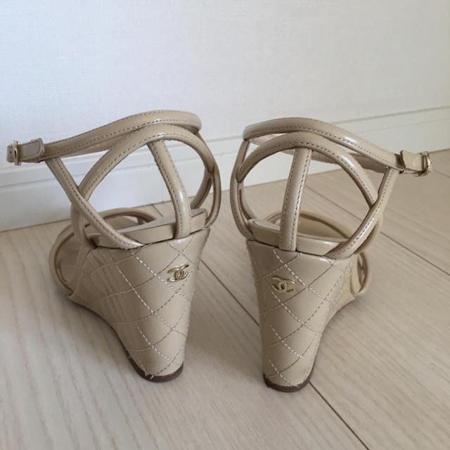 CHANEL(シャネル)のCHANEL シャネル ウエッジサンダル35 22、5cm マトラッセ レディースの靴/シューズ(サンダル)の商品写真