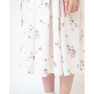 リズリサ(LIZ LISA)のノスタルジックフラワースカート 白  LIZ LISA  花柄 アウトレット(ひざ丈スカート)