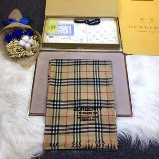 Burberry maxi scarf in cashmere check